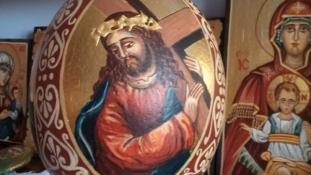 """""""Drumul crucii, lumină lină"""" – Vernisajul expoziţiei de pictură religioasă din Lleida"""