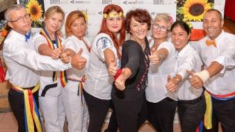 Hai să dăm mână cu mână / Cei cu inima română – Hotel Bruc – Petrecere de Ziua Naţională