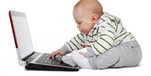 Drama copiilor crescuţi la laptop