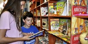 Copiii în vizita la libraria Punct din Barcelona
