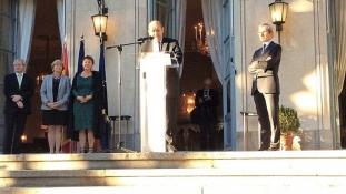 """Mesaj către francezi: """"Sunteți francezi în străinătate, o forță pentru Franța"""""""
