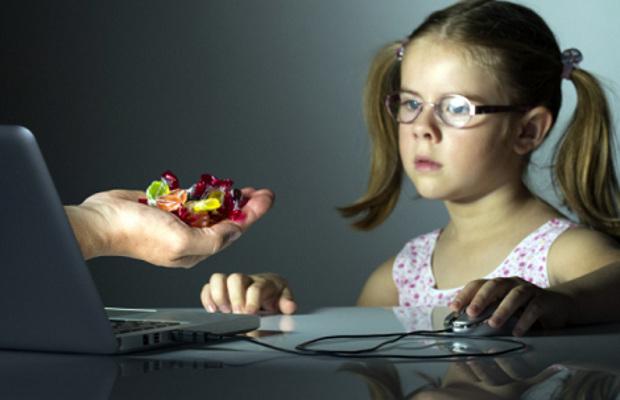UE limiteaza accesul copiilor sub 16 ani la retelele sociale din 2018
