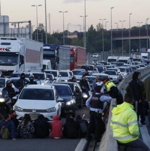 Greva generală, 8 Noiembrie: AVE și numeroase alte căi de comunicație în Catalunya, blocate