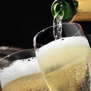 7 motive pentru care sa bei sampanie mai des