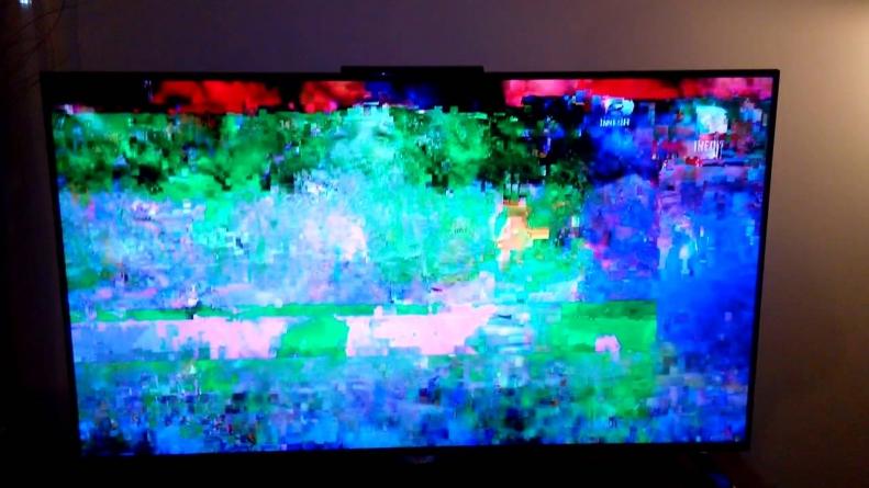 Televiziune prin internet în afara țării. IPTV. Merită?