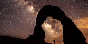 Horoscop de week-end -Scorpionii se bucură de cele mai neobișnuite lucruri
