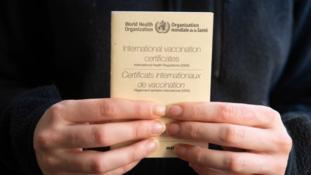 Pasaport de vaccinat – Da sau Nu?