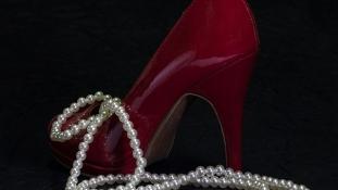 Pantofii cu toc înalt mereu la modă