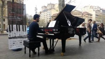 Concursul Maria Canals scoate pianele in stradă