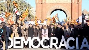 Mii de persoane isi manifesta sprijinul catre Artur Mas in Barcelona